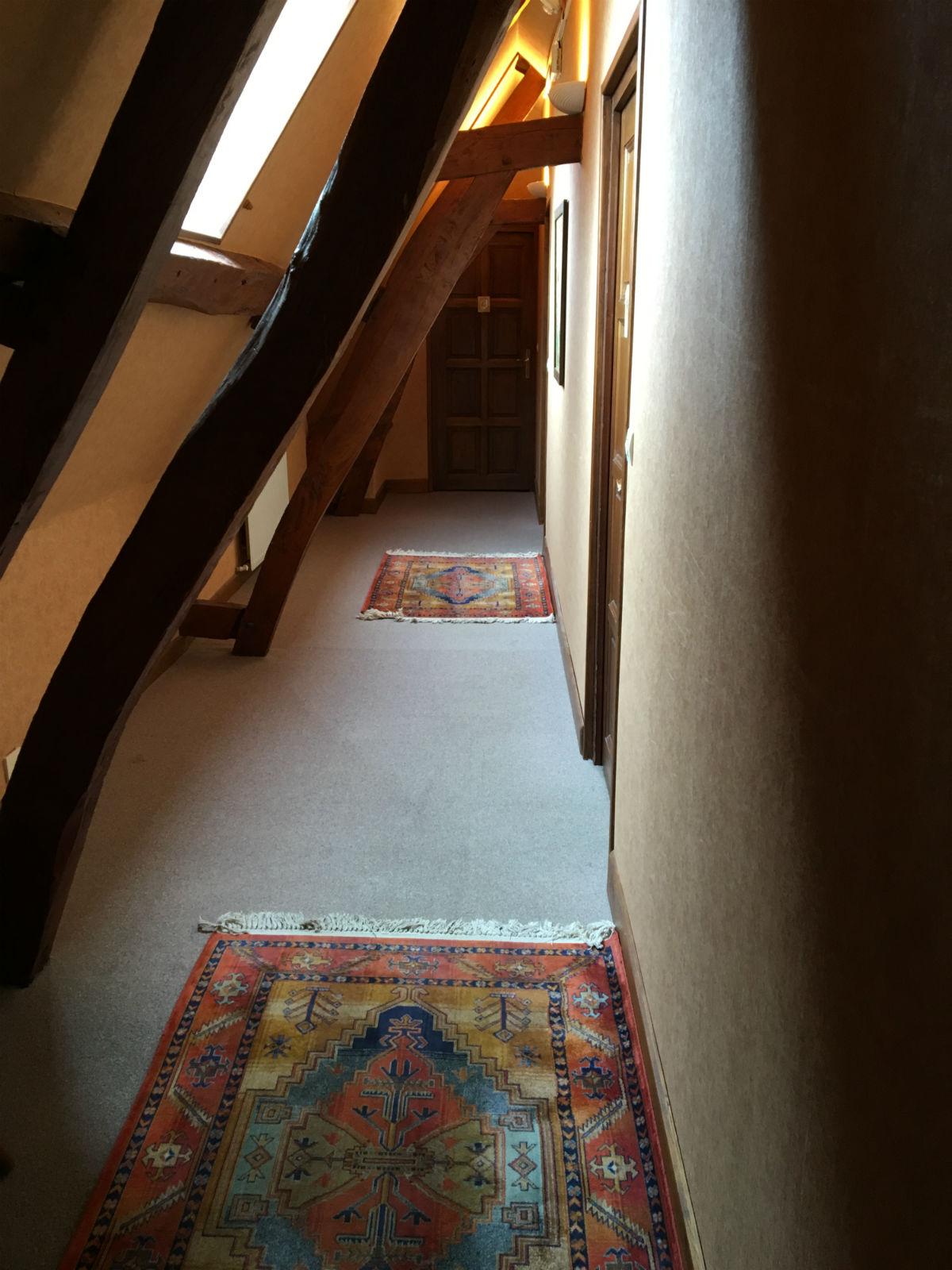 Gîte à Montreuil sur mer avec trois chambres à l'étage.